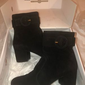 Nine West short suede boot